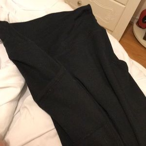 AERIE chill play move leggings with pockets!